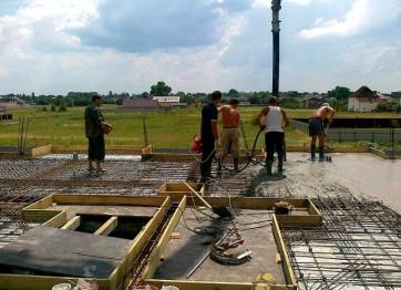 Замовити бетонне монолітне перекриття для приватного будинку, дачі, котеджу в Херсоні. Профі Строй