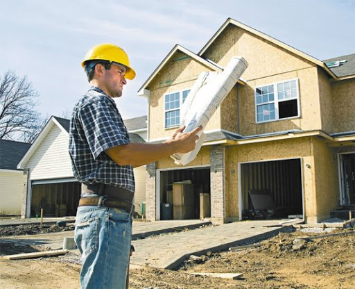 Choosing a contractor for building a house