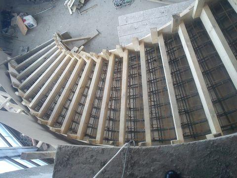 бетонная лестница построить в Херсоне профессионально